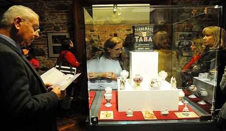 Exposición sobre el mate en el museo histórico de la Universidad Nacional de Córdoba