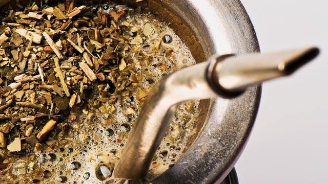 como preparar un mate how to prepare a mate yerba mate traditional preparetion infusion